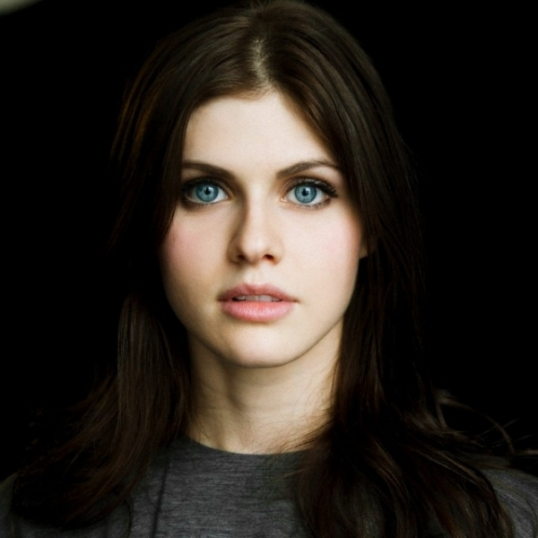 http://unobtainium13.files.wordpress.com/2013/01/alexandra-daddario.jpeg?w=538&h=538