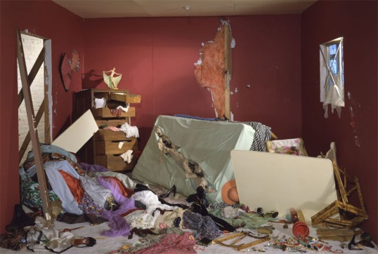 Jeff Wall -- The Destroyed Room