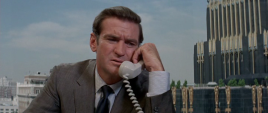 Rod Taylor as Lee Allen
