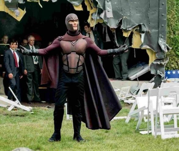 X-Men-Days-Of-Future-Past-Magneto3-586x495