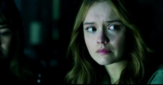 olivia-cooke-in-ouija-movie-7