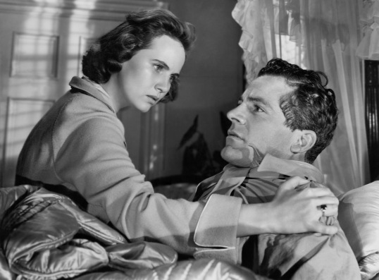 Teresa Wright and Dana Andrews