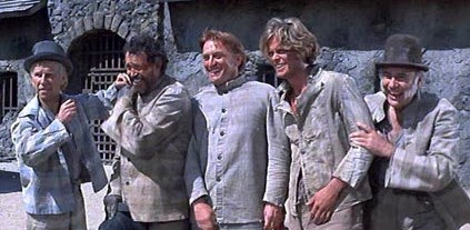 Hume Cronyn, Warren Oates, Kirk Douglas, Michael Blodgett, and John Randolph in There Was A Crooked Man