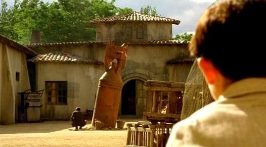 The Devil's Backbone (dir. by Guillermo del Toro)