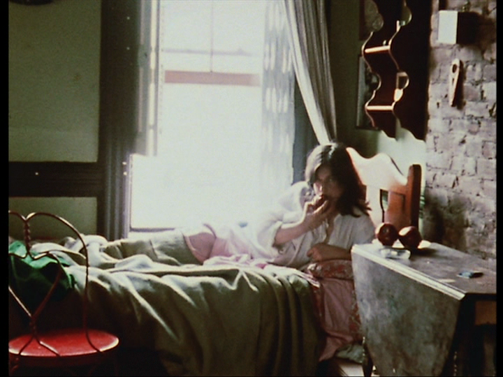 4 shots from 4 films chantal akerman la chambre i you for Film marocain chambre 13 komplett