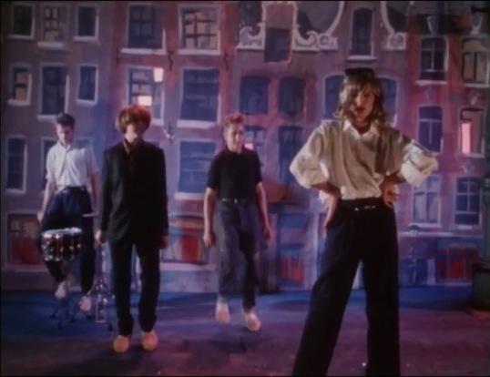 Seven Seas by Echo & the Bunnymen (1984)