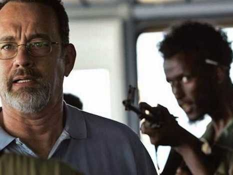 tom-hanks-barkhad-abdi-captain-phillips